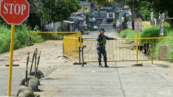 2,000 trapped as fighting rages in Philippines city